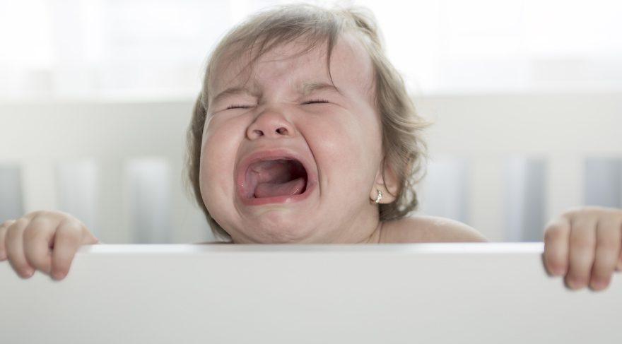 Bebeğinizi sinirlendiren 7 şey ve çözümleri