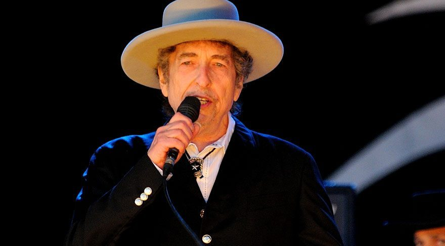 İsveç Akademisi Nobel Ödüllü Bob Dylan'a ulaşamıyor
