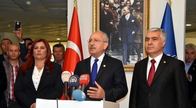 Kılıçdaroğlu, saldırıya uğrayan Bülent Tezcan'ı hastanede ziyaret etti (2)