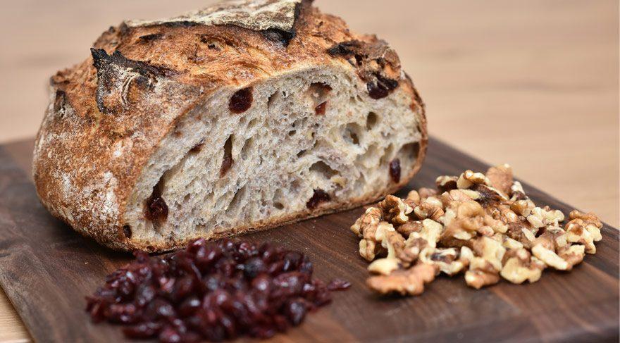 cevizli-yabanmersinli-ekmek