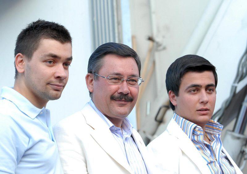 FOTO:depophotos - Ahmet Gökçek ise Haziran 2014'te kurulan ve Osmanlıspor'un Kurucu Başkanı. Diğer oğlu Osman Gökçek de Ankara Ticaret Odası (ATO) Başkanlığına soyundu ve bu göreve gelmesine kesin gözü ile bakılıyor.