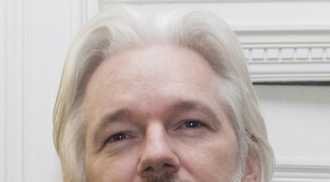 Ekvador Assange'ın internet bağlantısını kesti