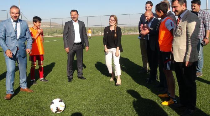 Kilis'te Türk ve Suriyeli çocuklar maç yaptı