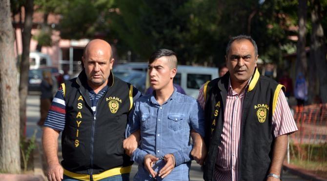 Yürüyüş yaparken bıçaklayıp 55 lirasını gasp ettiler