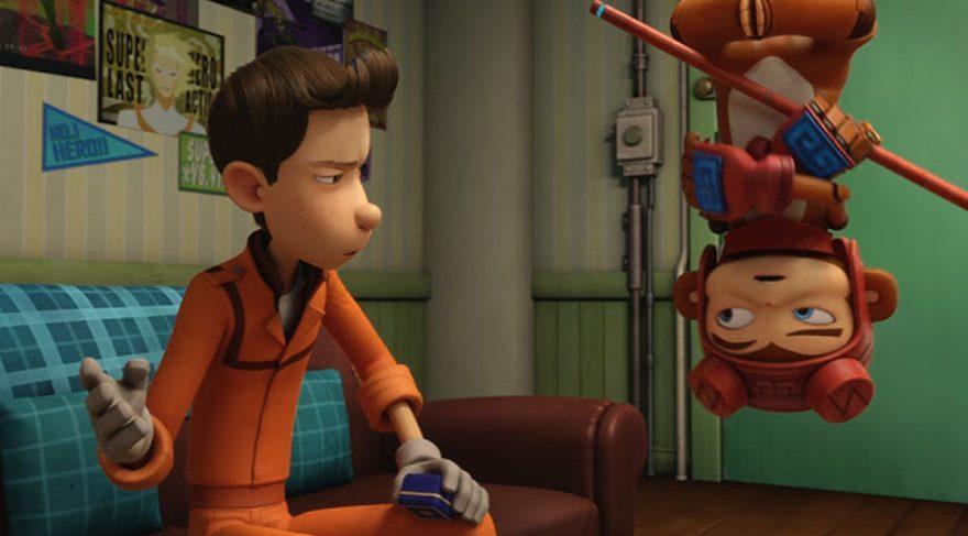 RoboWorld Tema Parkı'nda çalışan sıradan bir tamirci olan Sam, günlerini robotlarla ilgilenerek ve çocukluk aşkı ünlü spiker Sue'yu hayal ederek geçirmektedir.