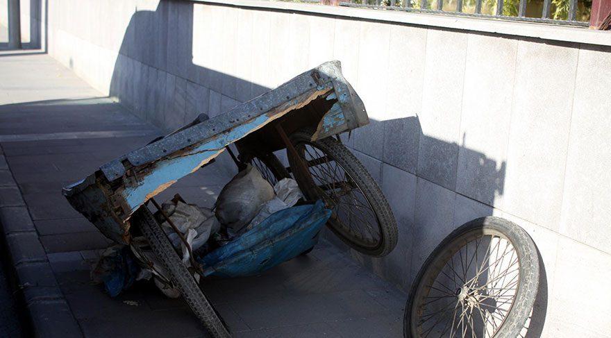 87 yaşında hamallık yapan Ahmet dedeyi araba ezdi