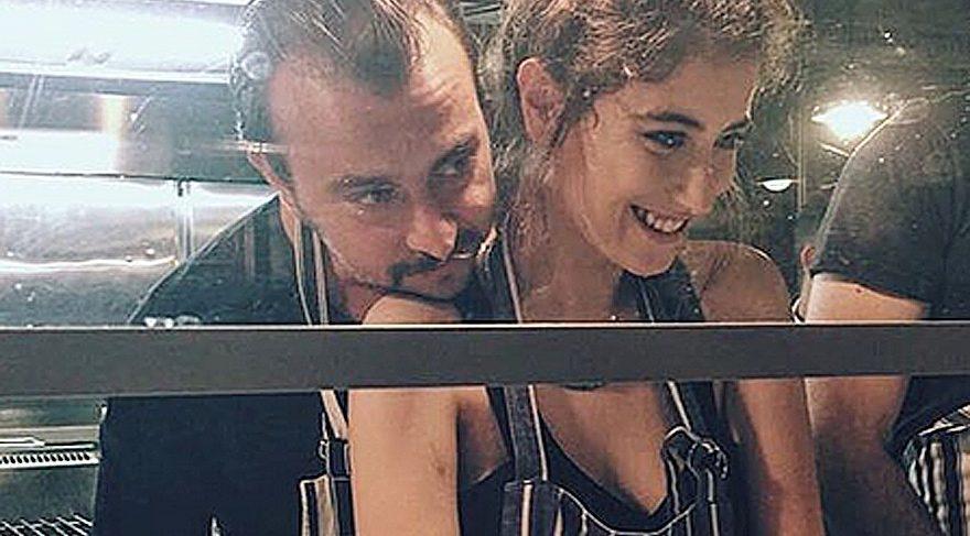 Hazal Kaya, sevgilisi Ali Atay'ın doğum günü sürpriziyle mutlu oldu