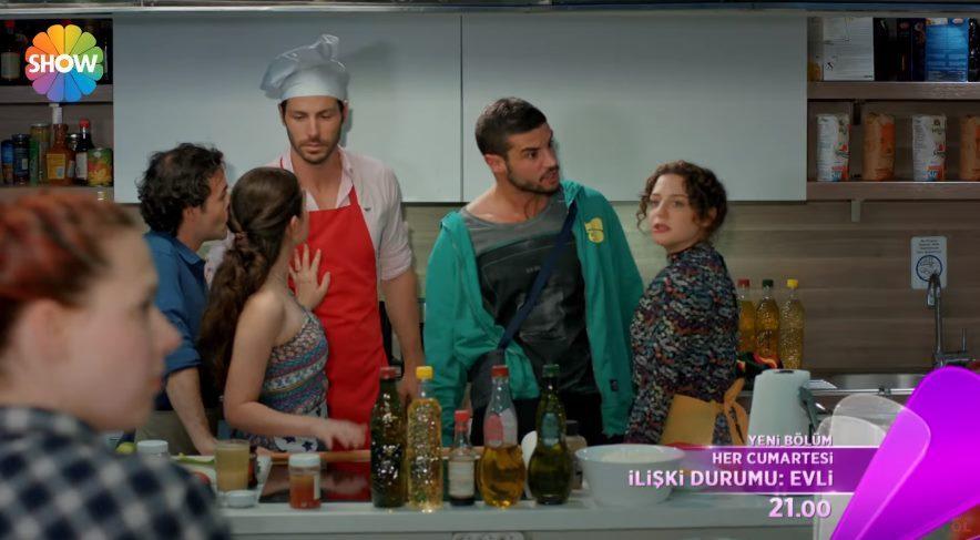 İlişki Durumu Evli 3. yeni bölümü izle : Can'dan Ayşegül'e baskın!