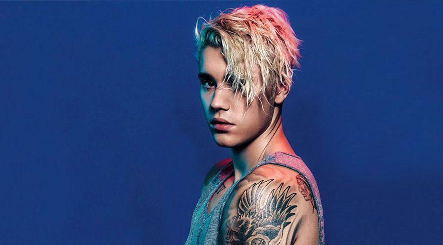Justin Bieber'ın süt içtiği bardağı satışa çıkarıldı