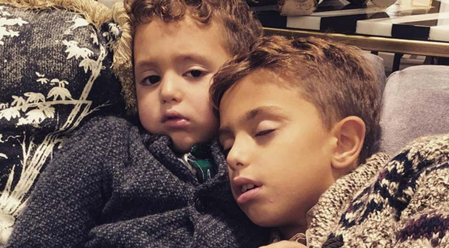 Mustafa Sandal, çocuklarının fotoğrafını paylaştı