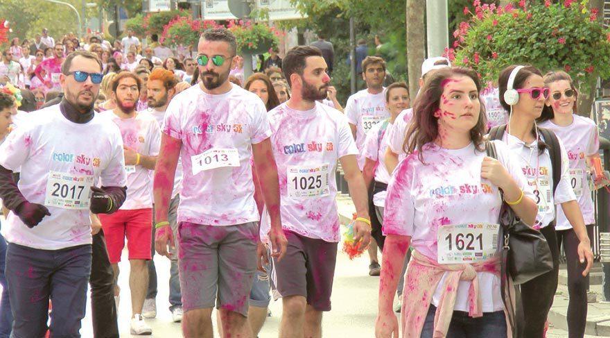 Renkli koşu
