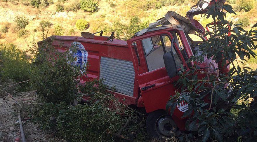 Yangına giden itfaiye aracı kaza yaptı: 2 ölü, 1 yaralı