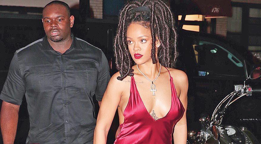 Rihanna'nın stili büyüledi