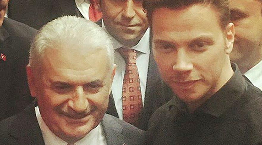Sinan Akçıl, Başbakan'la çekilmiş bir karesini paylaştı