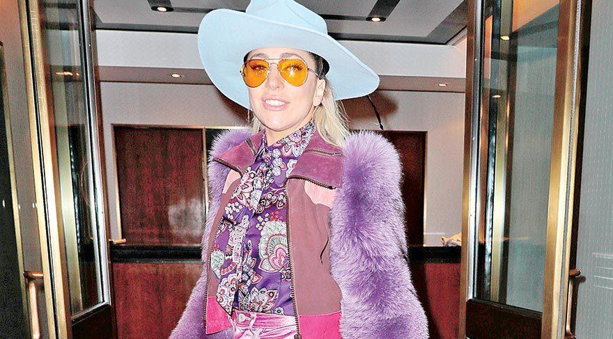 Gönüllerin kostüm Oscar'ı Lady Gaga'ya