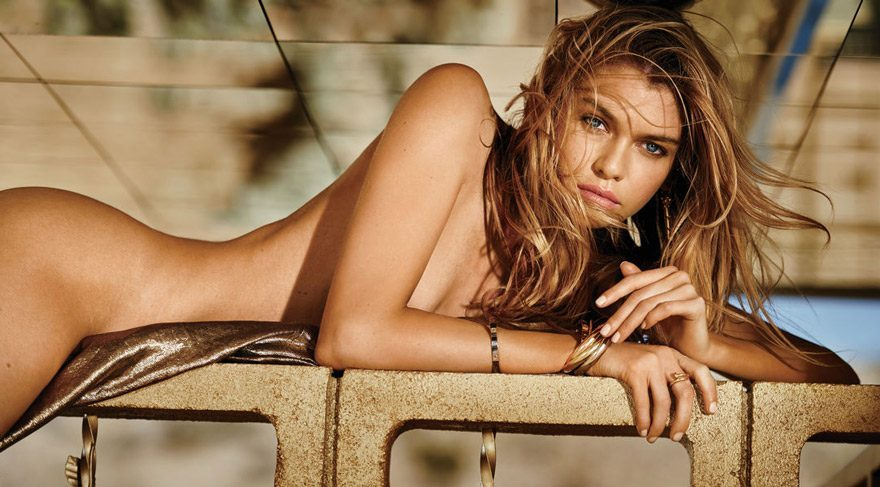 Stella Maxwell, Victoria's Secret Paris şovunda