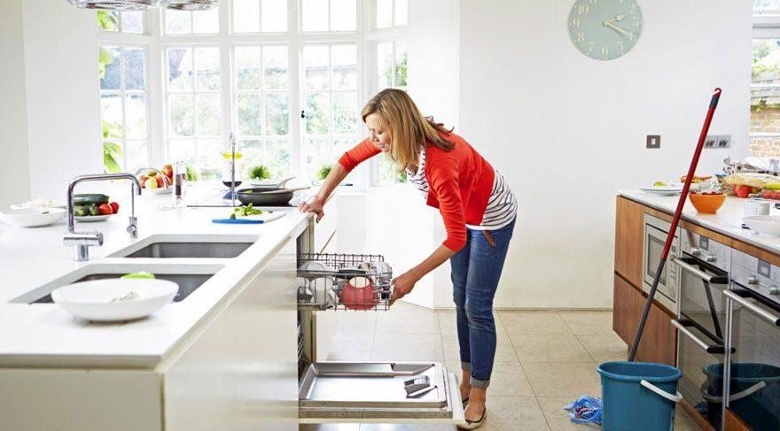 Ev temizliğinde kullanabileceğiniz 10 püf nokta…