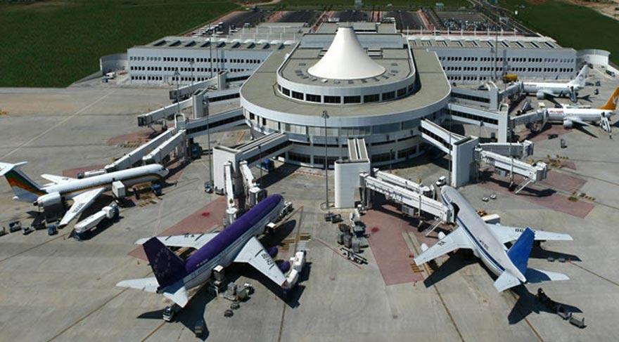 Antalya Havalimanı'nda 300 kişi işinden oldu!