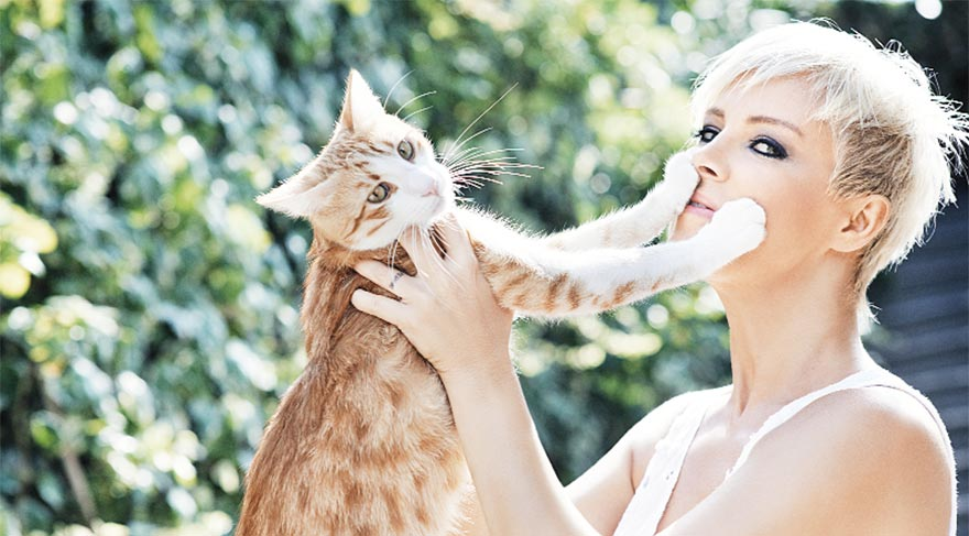 Kedi dostu Ömür Gedik