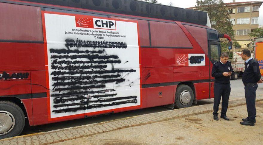 CHP'nin 'Yenikapı' otobüsüne saldırı
