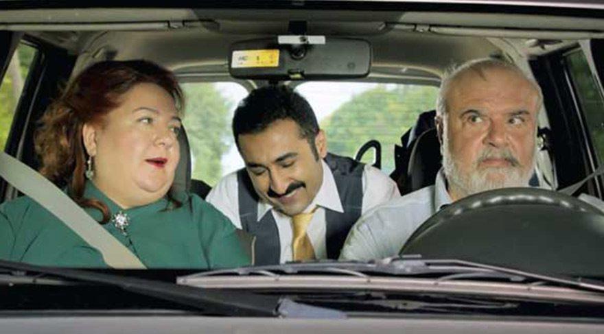 lk filmdeki taksi muhabbetleri berber muhabbetiyle yer değiştirdi.