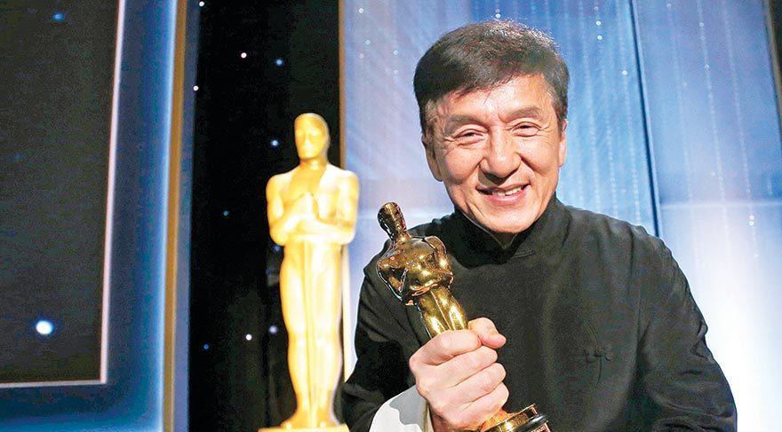 Oscar'ı yumruklarıyla kazandı
