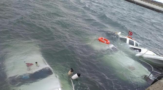 Enez'de fırtına 3 tekneyi batırdı