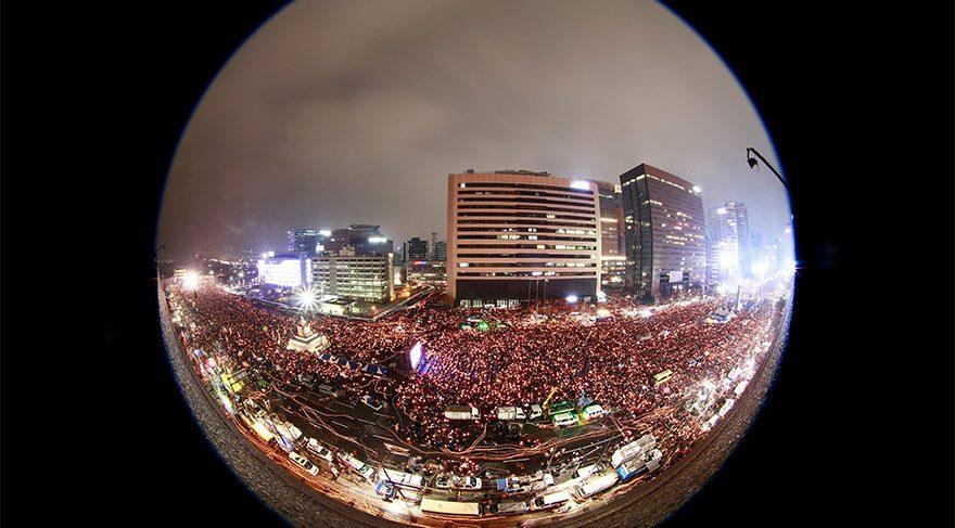 Milyonlar sokakta, Cumhurbaşkanı'nın istifasını istiyor