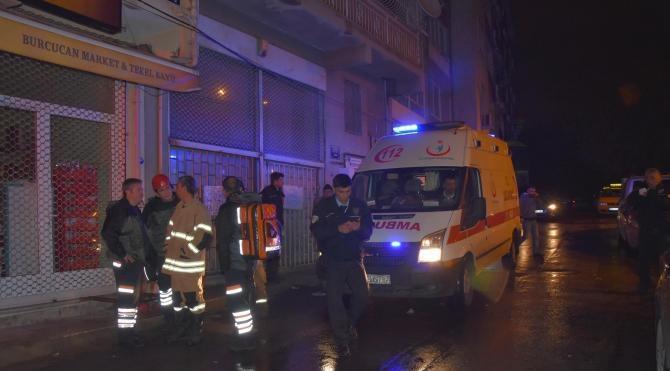 Evde yangın çıktı: 1'i ağır 3 kişi yaralandı
