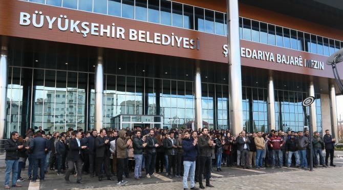 Van Büyükşehir Belediye başkanı gözaltına alındı (3)
