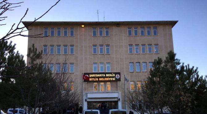 Bitlis Belediyesi'ne operasyon: Eş başkanlar gözaltına alındı (3) Yeniden
