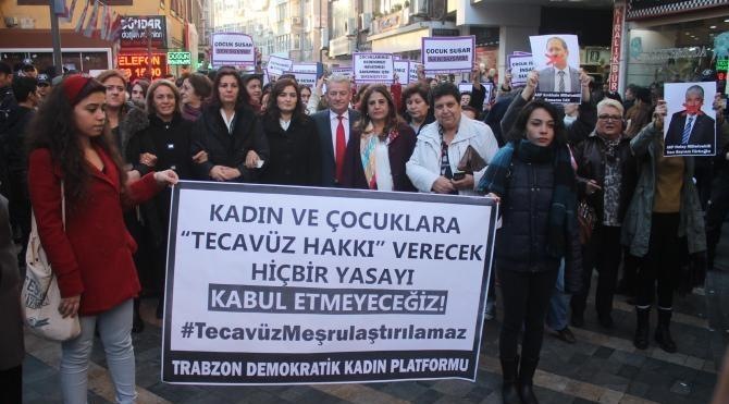 Trabzon'da cinsel istismar düzenlemesine tepki eylemi