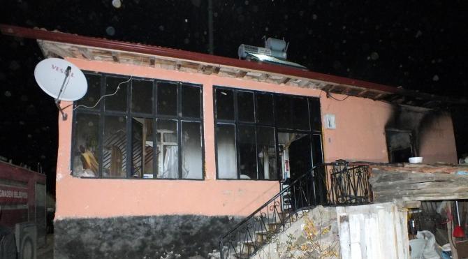 Yozgat'ta 3 kardeş yangında hayatını kaybetti
