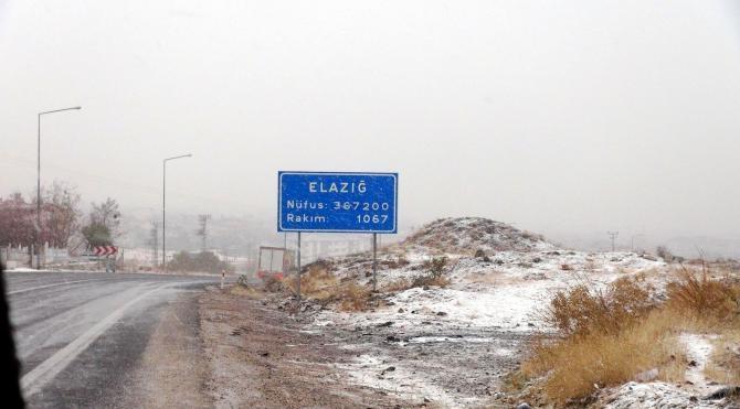 Tunceli, Elazığ ve Bingöl'e kar yağmaya başladı