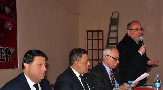 CHP milletvekilleri Bitlis'te görevden alınan memurları dinledi
