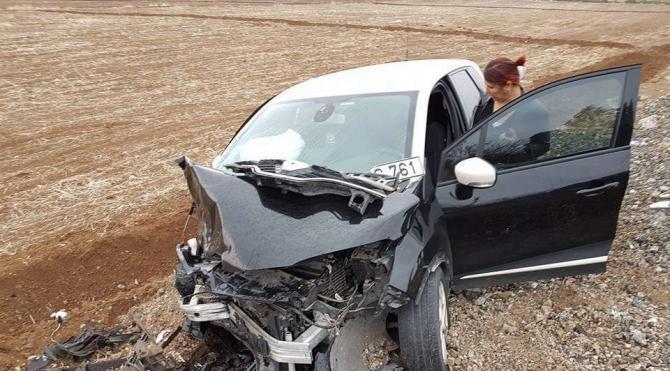 Minibüsle otomobil çarpışt: 5 yaralı