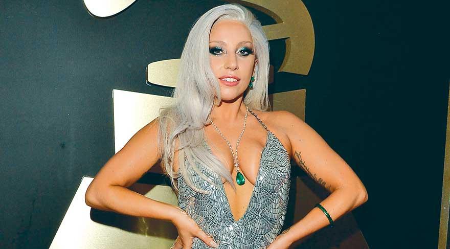 Lady Gaga rengini belli etti