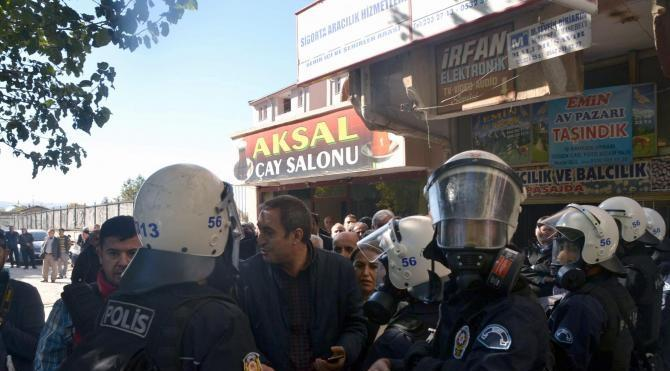 Siirt'te esnaftan kepenk kapatmasını isteyen 6 kişi gözaltında