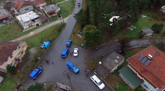 Adapazarı'nda 'drone' destekli uyuşturucu operasyonu