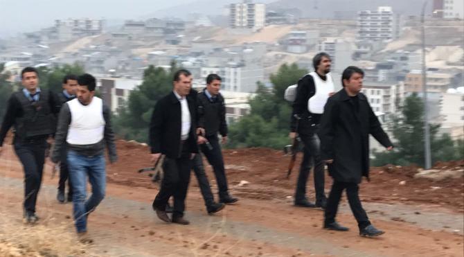 Şanlıurfa'da teröristler polis aracına saldırdı: 3 polis yaralı (1)