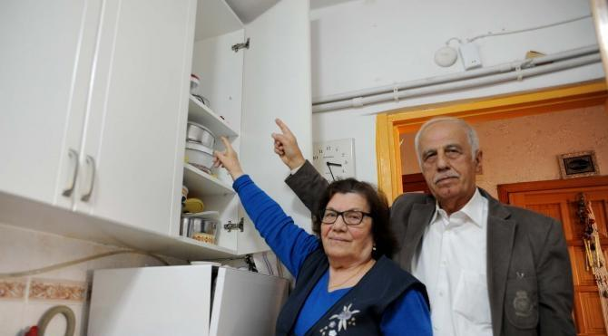 'Teröristte nüfus cüzdanınız çıktı' diyerek yaşlı çiftin 100 bin liralık altınını dolandırdılar