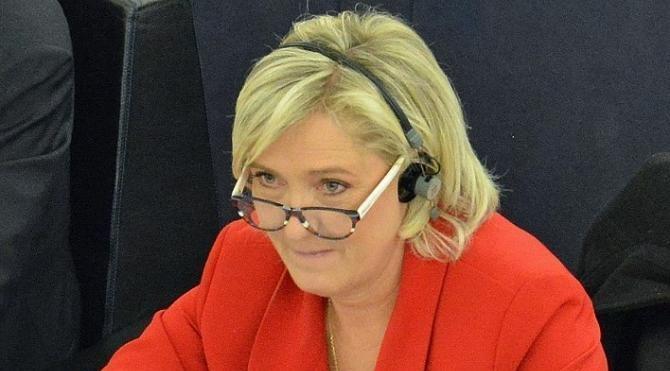 Fransa'da anket sonuçları Marine Le Pen'e düşük şans veriyor