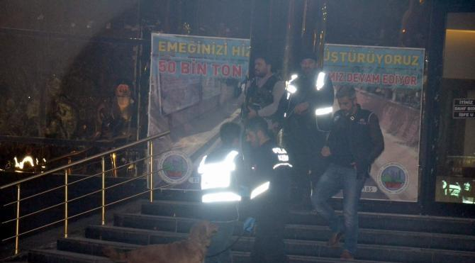 Siirt ve Tunceli belediyelerinde operasyon; başkanlar gözaltında (2) yeniden