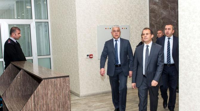 Van Büyükşehir Belediye başkanı gözaltına alındı (5)