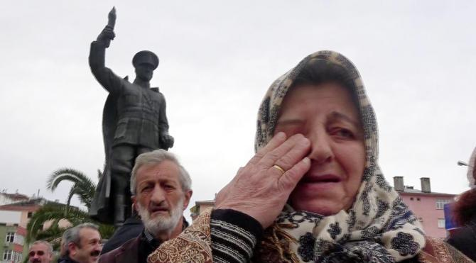 Rize'deki törende Atatürk Anıtı'nın kaldırılması kararına tepki