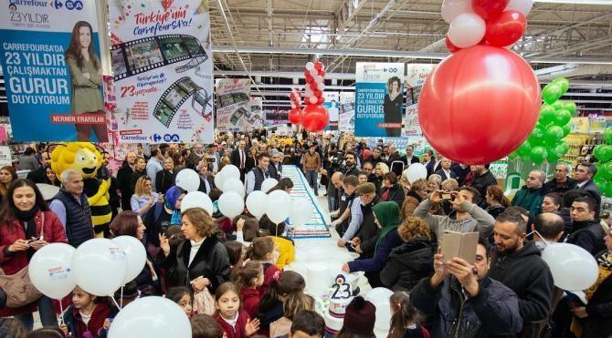 Türkiye'nin ilk hipermarketi İçerenköy CarrefourSA, 23. yılını kutladı