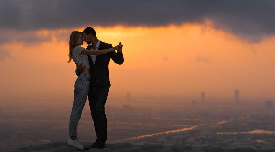 Aslan: Çocuklar, aşk hayatı, hayattan daha çok keyif alabileceğiniz koşullar, yaratıcılık gerektiren işler, riskli aktiviteler, hobileriniz bu Yeni Ay'ın ana konusu içinde yer alacaktır. Kendinize iletişim ağırlıklı yeni bir uğraş veya hobi edinebilirsiniz. Yalnızlar için flörtöz etkiler devrede olacak. Aşk için kapılarınızı aralayabilirsiniz.