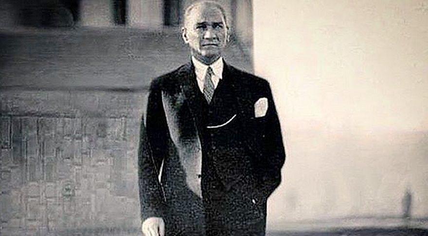 Ünlü isimler sosyal medya hesaplarından 10 Kasım için Atatürk paylaşımlarında bulundu