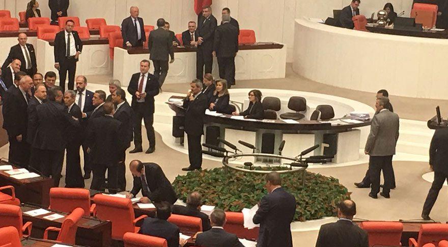 Engin Altay ve Maliye Bakanı Naci Ağbal arasında tartışma