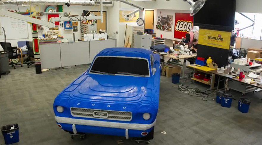 Lego kendini aştı... Araba yaptılar!